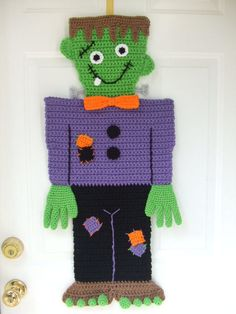 Crochet Pattern Halloween Monster Door Hanging by CrochetVillage Crochet Wreath, Crochet Fall, Crochet Crafts, Yarn Crafts, Crochet Projects, Free Crochet, Crochet Ideas, Halloween Monster Doors, Halloween Door