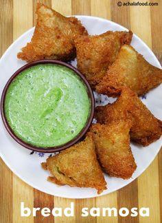 Bread Samosa Recipe is a super crispy, tasty and very delicious mini version of the classic samosa made using bread slices as the outer covering instead of plain flour. Bread samosa is ju… Veg Recipes, Indian Food Recipes, Bread Recipes, Vegetarian Recipes, Snack Recipes, Healthy Recipes, Recipies, Cooking Recipes In Hindi, Millet Recipes