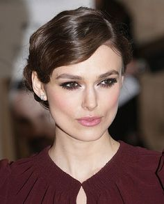 All in the eyes + loose Marcel Waves Keira Knightley looking stunning* Keira Knightley, Keira Christina Knightley, Marcel Waves, Plaits Hairstyles, Girl Hairstyles, Wedding Hairstyles, Updos, Female Hairstyles, Updo Hairstyle