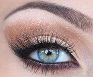 beauty fashion beautiful makeup cosmetics eyeliner Make up runway eyeshadow mascara eye makeup eye make up eyeshadow look Makeup Tips For Blue Eyes, Black Eye Makeup, Eye Makeup Tips, Skin Makeup, Makeup Products, Beauty Makeup, Hair Beauty, Beauty Products, Gold Makeup