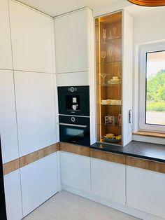 Kitchen Wall Cabinets, Bathroom Medicine Cabinet, Design Inspiration, Interior, Kitchens, Home Decor, Modern Kitchens, New Houses, Garden
