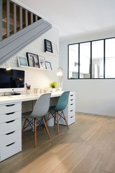 20 Best Home Office Decorating Ideas office chairs office design office furniture sets office tax deduction Home Office Space, Home Office Desks, Home Office Furniture, House Furniture, Small Office Desk, White Office, Studio Furniture, Work Desk, Cheap Furniture Makeover