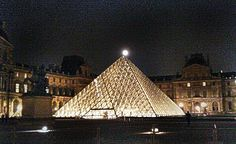 Louvres Pyramide