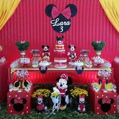 Resultado de imagem para decoração de aniversario da minnie vermelha Minie Mouse Party, Minnie Y Mickey Mouse, Mickey Party, Adult Birthday Party, Mickey Mouse Birthday, Baby Birthday, Minnie Mouse Decorations, Birthday Decorations, Mouse Parties
