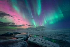 Aurora Borealis - Iceland ~~ For more: - ✯ http://www.pinterest.com/PinFantasy/naturaleza-~-auroras-boreales-northern-lights/