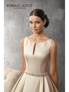 Ronald Joyce 2017 Fall Bridal Collection – The FashionBrides Sell Wedding Dress, Bridal Dresses, Wedding Gowns, Bridesmaid Dresses, Prom Dresses, Formal Dresses, Elegant Dresses, Pretty Dresses, Beautiful Dresses