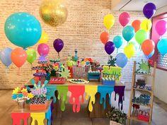 Festa slime! Uma mesa vibrante e moderna - It Mãe Birthday Painting, Art Birthday, Birthday Balloon Decorations, Birthday Balloons, Festa Do Pac Man, Aaliyah Birthday, 9th Birthday Parties, Sleepover Party, Colorful Party