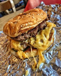 pl Five-guys burger is my favorite! I Love Food, Good Food, Yummy Food, Gastro, Fast Food, Picnic Foods, Food Places, Food Goals, Aesthetic Food