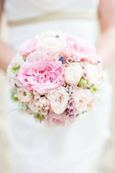 30 Romantic Spring Wedding Bouquets