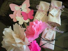 l'essenziale visibile agli occhi: FIORI&FARFALLE... per un tenero battesimo! Gift Wrapping, Blog, Gifts, Gift Wrapping Paper, Presents, Wrapping Gifts, Gift Packaging, Gifs, Wrapping