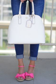 cute pink sandals with a bow AND a cute bag.life is good! Pink Sandals, Pink Shoes, Pink Wedges, Bow Shoes, Preppy Style, My Style, Southern Curls And Pearls, Tory Burch Bag, Classy And Fabulous