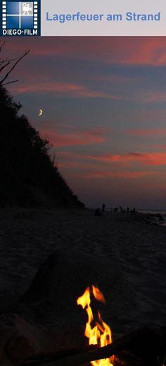 Lagerfeuer am Strand...gibt es etwas schöneres? http://diego-film.de/ ... #lagerfeuer #ostsee #strand #sonnenuntergang