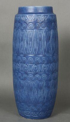 Materiale: keramik  Mål: H: 40,5 cm. diameter: 16 cm.  Generel stand: god