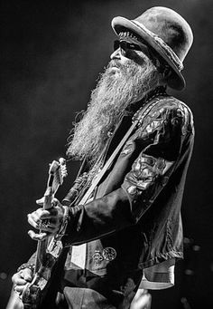 Best Picture For Music Artists blues For Your Taste You are looking for something, and it is going to tell you exactly what you are looking for, and you didn't find that picture. Here you will find th Zz Top Billy Gibbons, Billy Gibbons Guitar, Caricatures, There Goes My Hero, Heavy Rock, Heavy Metal Art, Vintage Rock, Texas, Music Tattoos