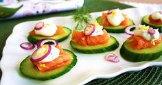 smoked salmon & cucumber canapes
