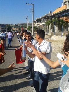 Hatay'da Abdullah Cömert için elden ele çiçek gidiyor #occupygezi #turkey #occupytaksim #direngeziparkı #occupyturkey #Chapulling #direngezi