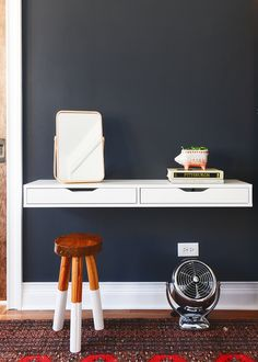 simple IKEA hack - - for a perfectly sized, slim floating vanity Ikea Floating Desk, Floating Desk With Drawers, Floating Vanity, Floating Drawer Shelf, Ikea Wall Desk, Floating Table, Wall Mounted Desk, Diy Projects Apartment, Bedroom Decor