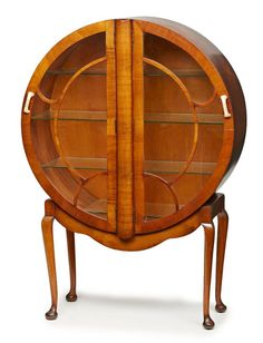 Runde Art Deco Vitrine, Deutsch Um 1930.Mahagoni Furn. Korpus M. Zwei Nach  Außen Zu öffnenden Tür