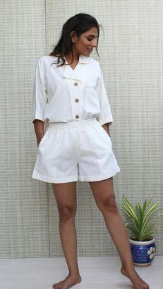Dress Sites, Collar Top, Shorts With Pockets, Minimal Fashion, Workout Shirts, Hippie Boho, Plus Size Fashion, Lounge Wear, White Shorts