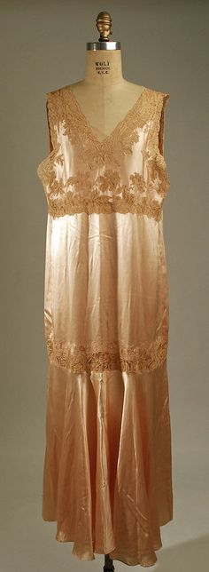 Nightgown Date: 1925–35 Culture: American or European Medium: silk, cotton Accession Number: 1976.171.10