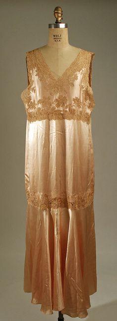 Nightgown Date: 1925–35 Culture: American or European Medium: silk, cotton Accession Number: 1976.171.10