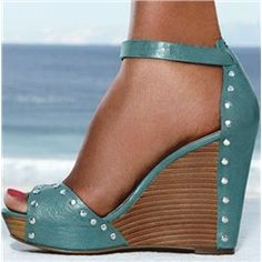 Precious Coppy Leather Rivets Wedge Sandals