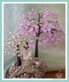 Оригинальное оформление деревьев из бисера.. Обсуждение на LiveInternet - Российский Сервис Онлайн-Дневников