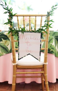 #BabyShower with a #FlamingoStork. Too cute to miss! Read More on #SMPLiving: http://www.StyleMePretty.com/living/2016/01/09/tropical-flamingo-infused-baby-shower/ Photography: South Moon Photography