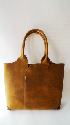 https://flic.kr/p/bUUDcv | leather bag
