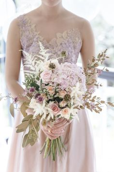 Mixed Metallics Wedding Shoot | Chen Sands Photography | The Wedding Scoop | Bridal Musings Wedding Blog 2