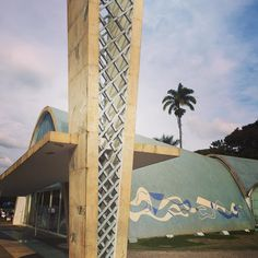 Um pouco de oração com pintura #oração #pintura #portinari #arte #mural #painel #igreja #azulejos #passeio #turismo #bh #pampulha @claudiomello