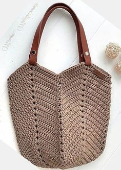 Crochet Bags Design From Ingenious Housewives. Image No: 1 18 Crochet Bags Design From Ingenious Housewives. Image No: 1 Free Crochet Bag, Diy Crochet, Crochet Bags, Crochet Shoulder Bags, Large Shoulder Bags, Crochet Carpet, Crochet Ripple, Crochet Handbags, Simple Bags