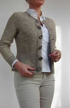 Ravelry: Nearly Chanel pattern by von Hinterm Stein - Salvabrani - SalvabraniERRATA: please note: when working the short rows for front neckline it is meant to SHORTEN the rows by sts, then for all sizes every then then 1 st … Cardigan Pattern, Jacket Pattern, Knit Cardigan, Ravelry, Big Knits, Cardigan Outfits, Knit Jacket, Knitwear, Knitting Patterns