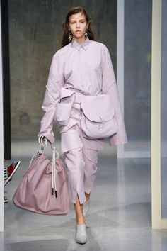 Marni Ready-to-Wear Spring 2017 Fashion Week, Fashion 2017, Runway Fashion, Spring Fashion, Fashion Show, Fashion Outfits, Womens Fashion, Fashion Trends, Spring Couture