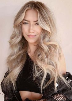 Still searching for latest hair styles and hair color shades to opt in year If yes then must check out the beauty of these awesome long blonde hair styles for more cute look in current year. Everyday Hairstyles, Latest Hairstyles, Cool Hairstyles, Blonde Balayage, Blonde Hair, Long Hair Cuts, Long Hair Styles, Hair Color Shades, Dream Hair