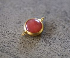 Tiny Peach Red Dyed Jade Round Connector- 17 mm 24k Gold Plated Bezel Charm Pendant - GS0111 by FoxyBeadsCo on Etsy