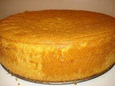 Sponge cake with sour cream Cake Recipes, Dessert Recipes, Sour Cream Cake, Biscuit Cake, Pie Cake, Russian Recipes, Sponge Cake, Food Cakes, Food To Make