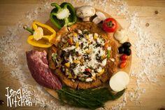 Crispy pizza beef mix veggie