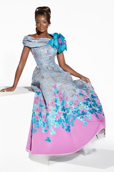 Colorful Ankara Doll Dress by Gilles Touré worn by Isabelle Béké African Fashion Ankara, Ghanaian Fashion, African Print Fashion, Africa Fashion, African Prints, Nigerian Fashion, African Attire, African Wear, African Dress