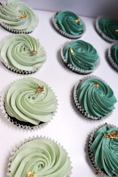 Rosette topped cupcakes in ombré green by B&B Rosette Cupcakes, Green Cupcakes, Gold Cupcakes, Green Cake, Wedding Cupcakes, Cupcake Cakes, Safari Cupcakes, Green Birthday Cakes, Wild One Birthday Party