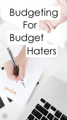 The best budgeting course! Learn how to budget for beginners in an in-depth how to course with videos and worksheets. Best Budgeting Tools, Budgeting Process, Budgeting Worksheets, Budgeting Finances, Ways To Save Money, Money Saving Tips, Money Tips, Saving Ideas, Making A Budget