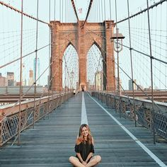 Been trying to make it to Brooklyn Bridge for sunrise since the day we arrived in New York but waking up at 5am wasn't as easy as we'd imagined. But, we finally made it happen on our last day in the city and it was 100% worth it. : @davidbokov