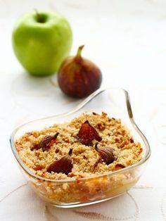 Crumble aux pommes et aux figues fraîches - Recette de cuisine Marmiton : une recette
