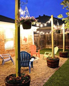 Who said DIY and budget décor must look cheap? This blog post is all about showing you great ideas on backyard upgrades on a budget you can assemble at your taste. Either you have a small garden or a long backyard; there are landscaping, furniture and décor ideas low on price yet million-bucks looking you can get! These backyard upgrades on a budget promise to help you in getting the best result with the lowest prices! #patiofurniture #backyardideas #frontyard Cozy Backyard, Backyard Seating, Fire Pit Backyard, Backyard Landscaping, Landscaping Ideas, Backyard Retreat, Outdoor Seating, Mulch Ideas, Landscaping Borders