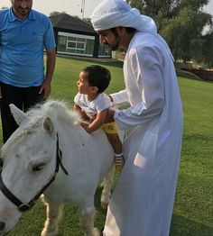 Good morning✨  HH Sheikh Hamdan bin Mohammed bin Rashid Al Maktoum and his nephew Sheikh Rashid bin Mohammed bin Hamad Al Sharqi.  #hamdanbinmohammed #sheikhhamdan #hamdanmrm #almaktoum #crownprinceofdubai #fazza #faz3 #fazza3 #dubai