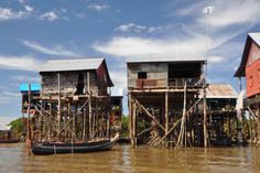 Kompong Khleang village on stilts by jeep (half day) – Day trips in Angkor Wat / Siem Reap | There is so much more to see in Siem Reap than just the temples, such as a visit to the Kompong Khleang village on stilts. Here you can see how the people live along the Tonle Sap lake – the largest freshwater lake in Southeast Asia.