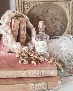 Shabby Vintage Archives - Home Style Corner Shabby Vintage, Cottage Shabby Chic, Shabby Chic Mode, Style Shabby Chic, Shaby Chic, Romantic Cottage, Shabby Chic Bedrooms, Vintage Decor, Vintage Accessoires