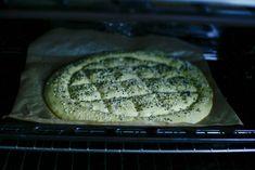 Turks brood uit de oven | Kookmutsjes Turks, Bread, Food, Kitchens, Seeds, Brot, Essen, Baking, Meals