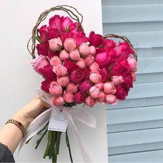 Flower Delivery Service Same Day Bouquet Cadeau, Diy Bouquet Mariage, Gift Bouquet, Diy Wedding Bouquet, Wedding Flowers, Valentine's Day Flower Arrangements, Arrangements Ikebana, Special Flowers, Pink Flowers