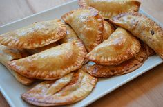 Receta BLW de empanadillas BLW caseras aptas para menores de un año, sin sal y sin lactosa.